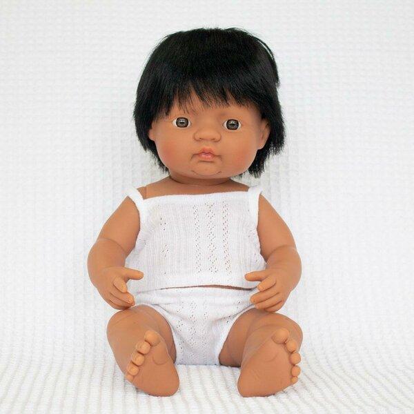 Latino babyjongen (38 cm)