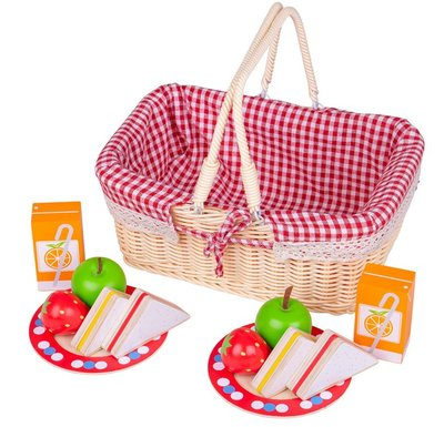 Picknickmandje met etenswaren